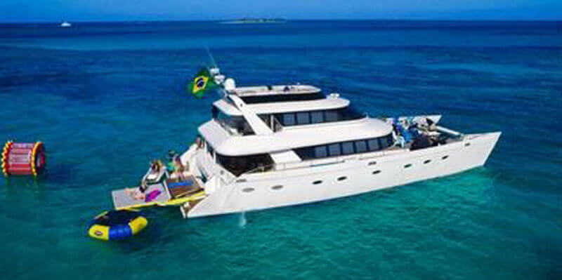 80-luxury-catamaran-charters-bahamas