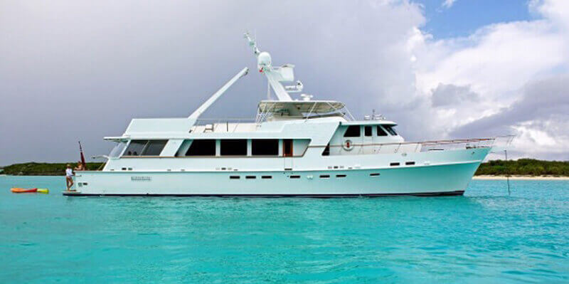 95-luxury-yacht